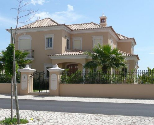Long-term rentals algarve senior living