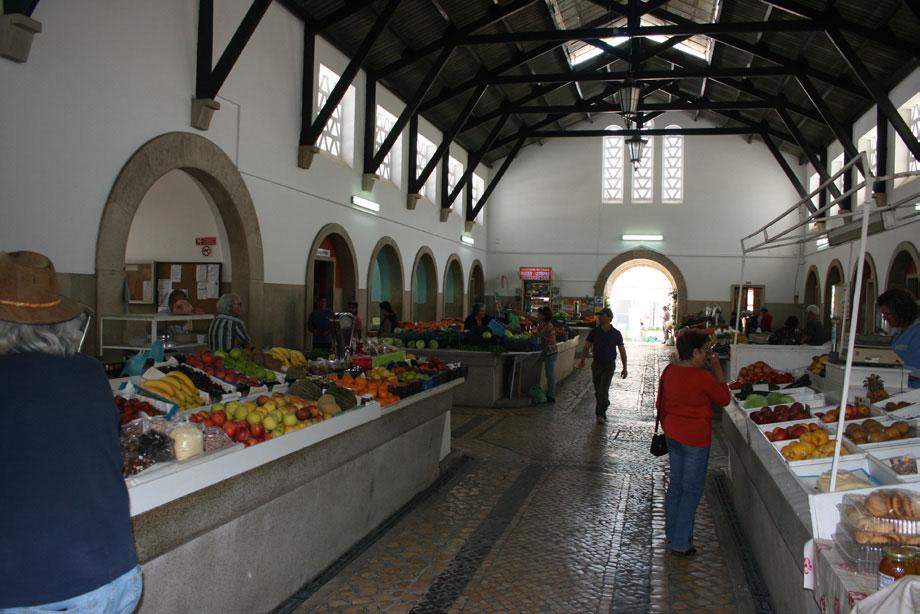 A quiet day at Silves market Best Kept Secret