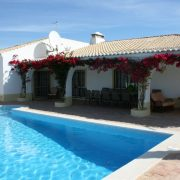 Property Year-round quality living in Salicos, Carvoeiro
